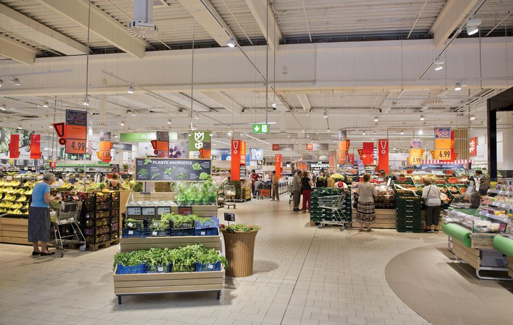 lanțuri internaționale de retail
