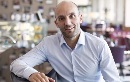 Athanasios Giannousis, Director Comercial Olympus România